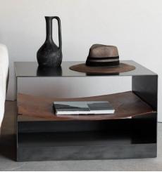 Table d'appoint en métal noir et cuir